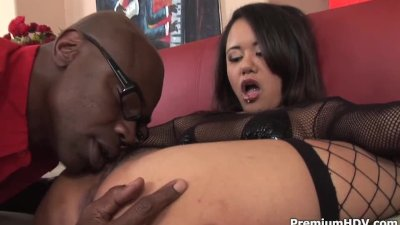 Fine chick gets railed in ass