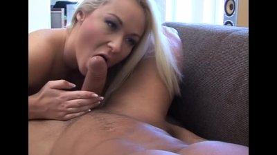 Curvy Girl Gets Her Ass Filled
