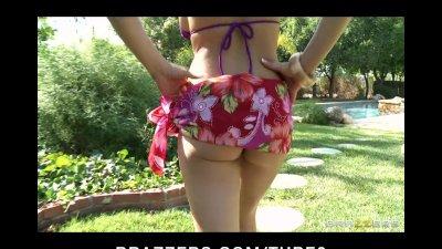 Busty bikini brunette Pornstar Rachel Roxx fucks bigdick by pool