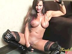 Nikki Jackson Fucks Herself While Talking Dirty