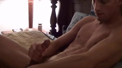 Nude Guy Jerking Off And Cums