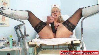 Elder blondie matured putting in pussy plus huge adult toy