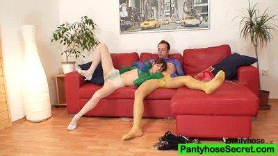 Leggy goddess Leo loves untidy nylon pantyhose shag