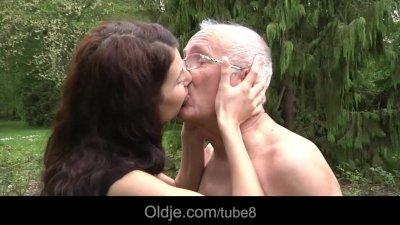 Oldman fucks hussy brunette teeny in ass