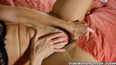 Hot older woman is a compulsive pantyhose masturbator