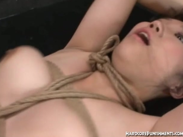 Japanese women is tied up and gets her pussy covered in cum