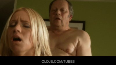 Old baker gets a special blowjob from a sexy blonde babe
