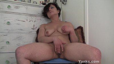 Cute Amateur Girl Ahna Masturbating
