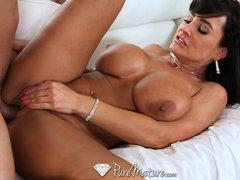 HD   PureMature Super Hot milf Lisa Ann seduces poolboy