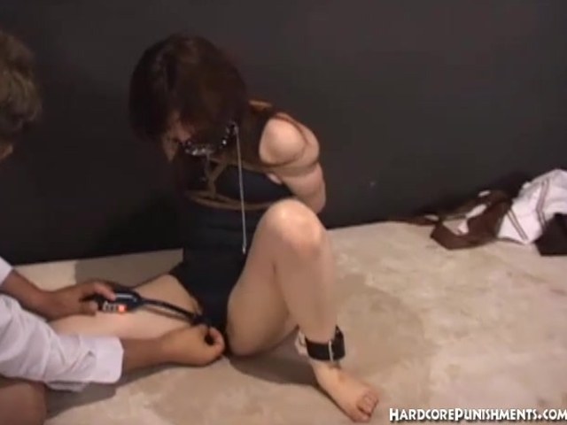 Hardcore Japanese BDSM treatment for young oriental women