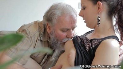 Old Goes Young - Ilona and her man are sharing a good time