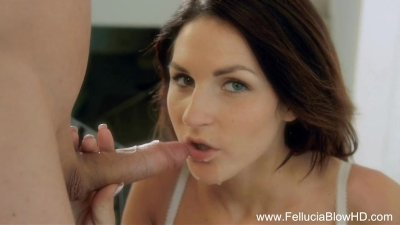 Blowjob Redhead Is A Gorgeous Find