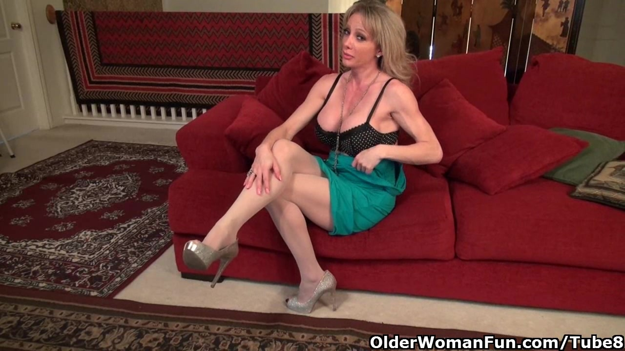 New pantyhose get mom Raquels hormones out of control