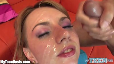 Lexi Belle Finds Out what Teen Glazing Is…