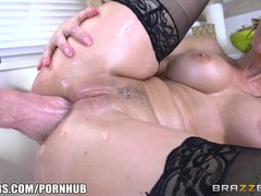 Brazzers   Sexy maid Syren de Mer loves anal