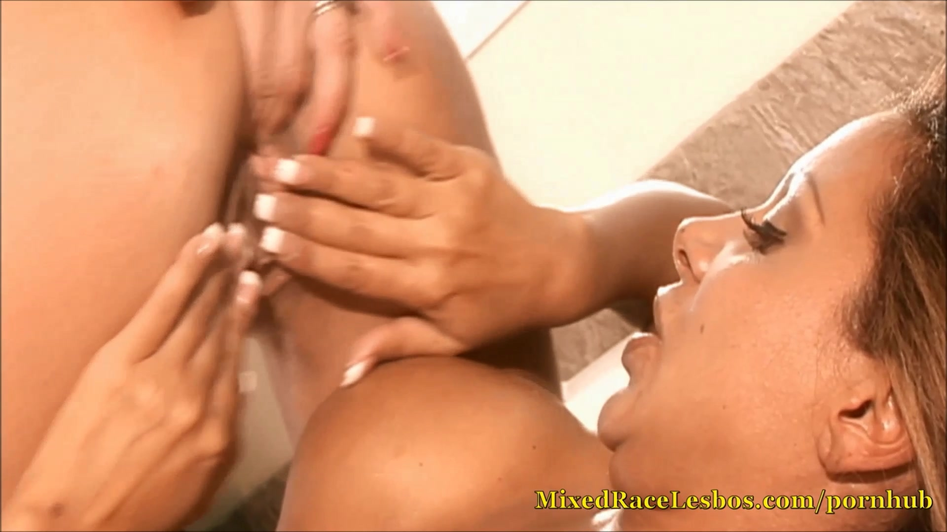 Big Tit Lesbians Use Toys And Buttplugs In The Bath