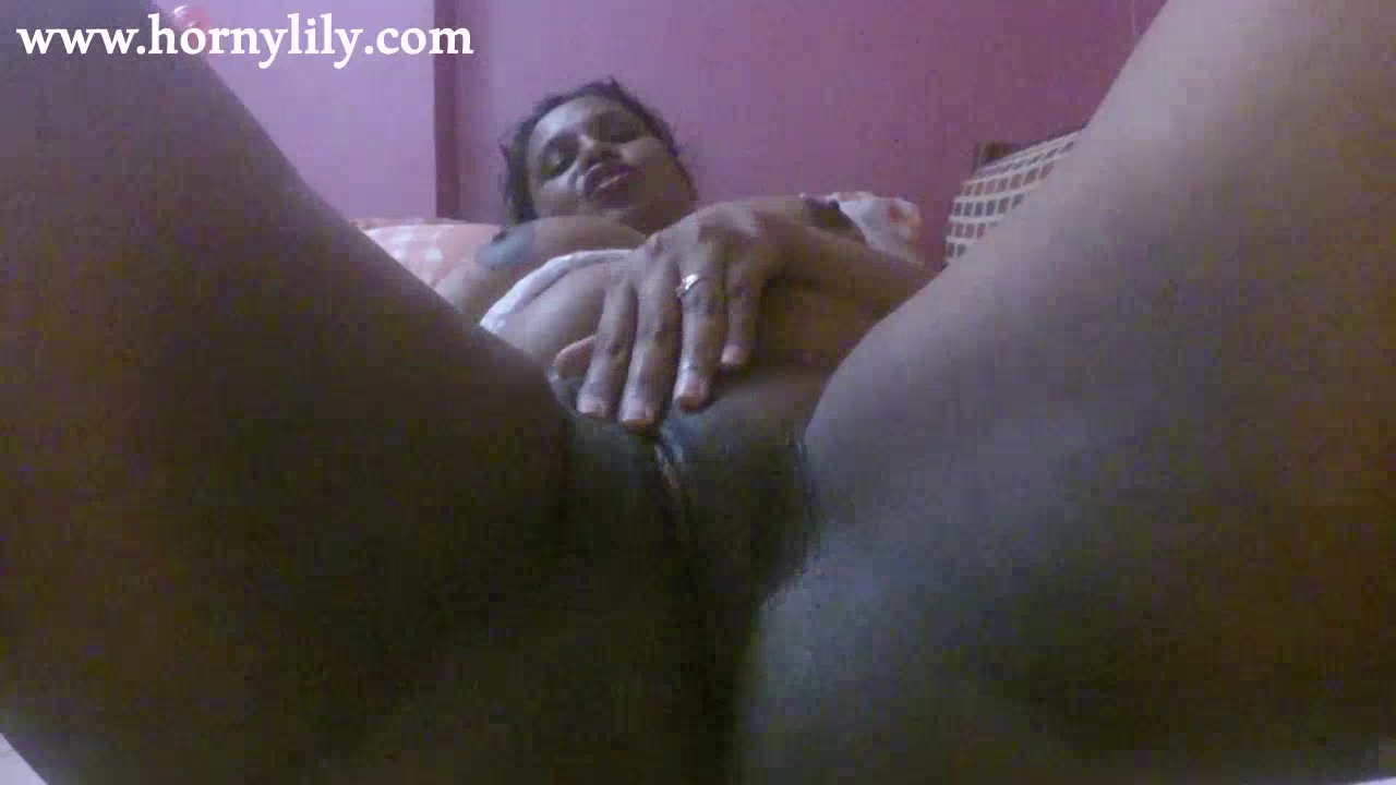 Indian Girls Loves To Masturbate Sexy Indian Babe Lily Sex