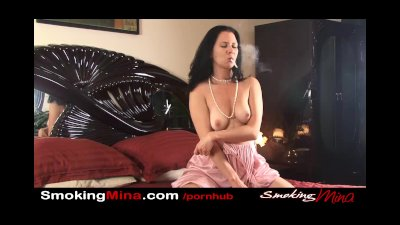 SmokingMina - Bedtime smoke and Masturbation