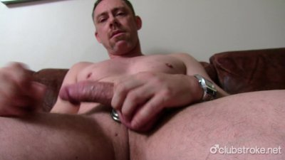 Sexy Straight Daddy Tucker Masturbating
