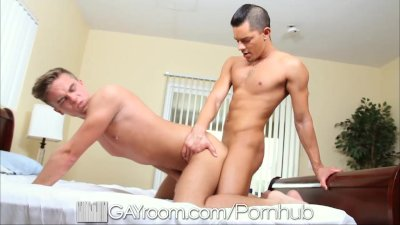 GayRoom Hot guy gets on his flatmate while he sleeps