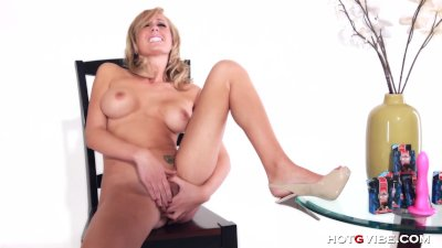 Blonde Babe has the Best O Face