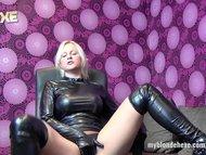 BlondeHexe - German latex and leather slut