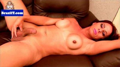 Latina redhead Tati Salimeri jerking cock
