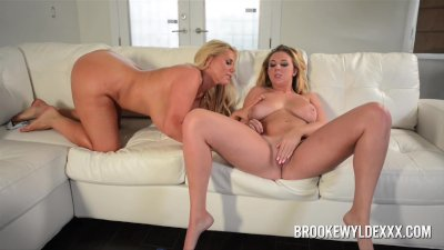 Two Hot Big Boob Blondes In Le
