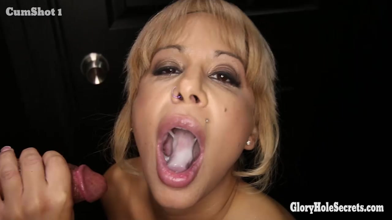 Gloryhole Secrets big tits and lots of dicks