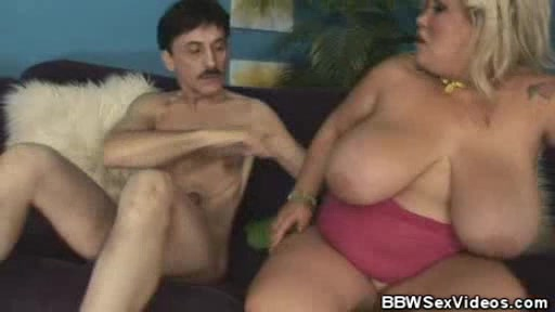 BBW Babe Kacey Parker Gets On Top