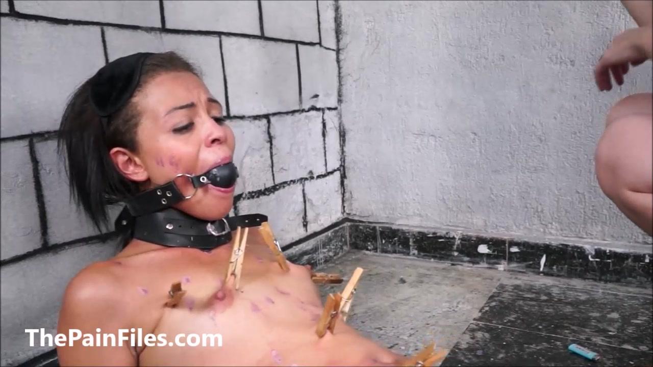 Latina masochist Pollys extreme lesbian bdsm and hardcore whipping of spank