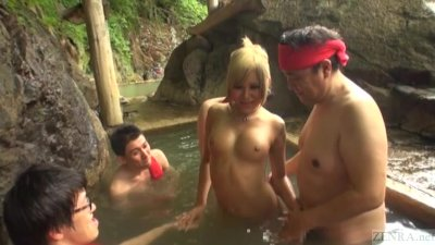 Subtitled Japanese newhalf gyaru group onsen experience