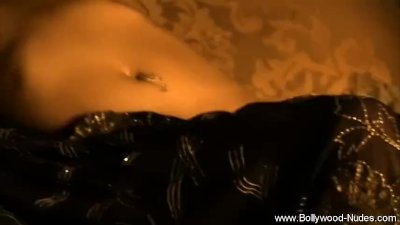 Indian Lady Show Her Nipples