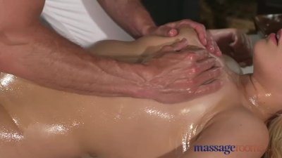 Massage Rooms Czech blonde wit