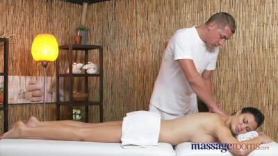 Massage Rooms Hot Milf with bi