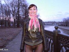 Jeny Smith bottomless pantyhose public flashing
