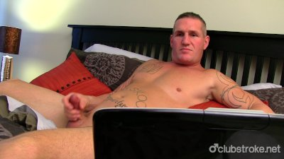 Muscular Straight Guy Maverick Masturbating