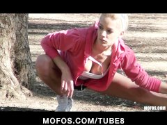 Horny bigtit young blonde slut fucked by harddick after jogging