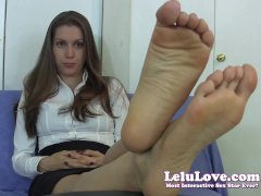 Lelu Love Embarrassed Secretary Foot Fetish