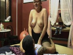 UK swingers get fucked in a gangbang party