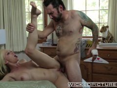 Wicked   Hot blonde cheats on her BF