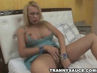 Thick blonde shemale play...