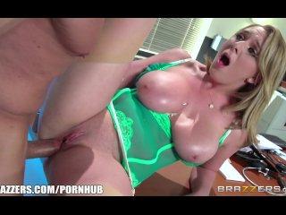 Brazzers - Hot doctor Brooke Wylde loves big cock