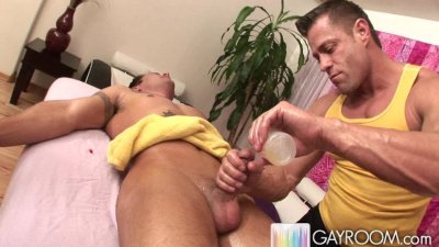 Pervert Masseuse Fondling Therapy.p6
