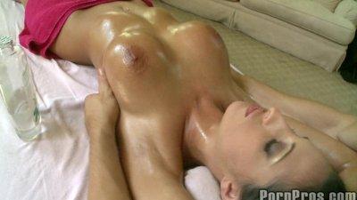 Hot Big Tit Bombshell Massage.6