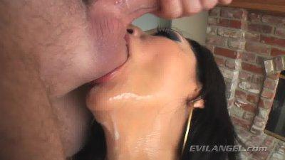 Vicki Chase likes a messy blow job