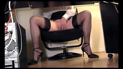 Leggy secretary under desk voy