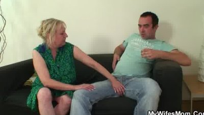 Mom Why are you naked and with dick in the mouth