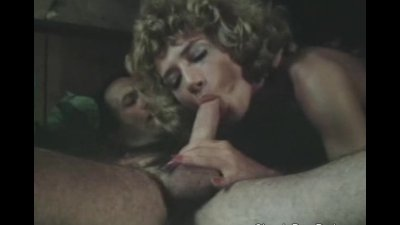 Crazy threesome with two hot m