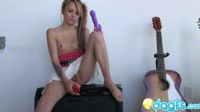 Cam slut Lany gets horny naked